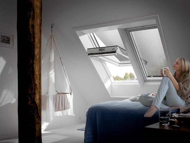 ratgeber rollos f r velux oder roto dachfenster als. Black Bedroom Furniture Sets. Home Design Ideas