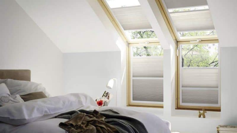 Ratgeber: Rollos für Velux oder Roto Dachfenster. Als Sichtschutz, Hitzeschutz oder Verdunkelung. Welches System passt zu Ihnen?