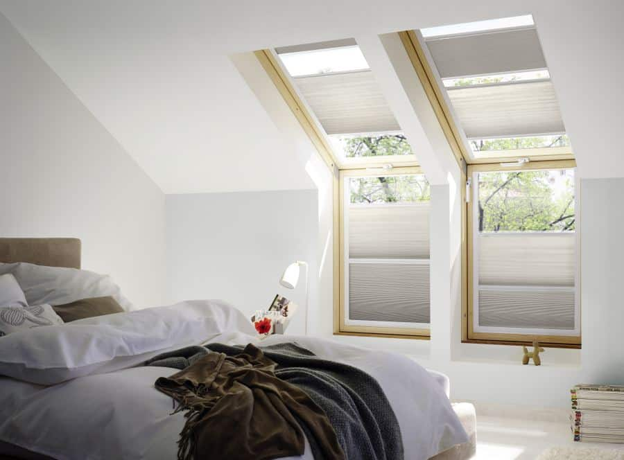 ratgeber rollos f r velux oder roto dachfenster als sichtschutz hitzeschutz oder verdunkelung. Black Bedroom Furniture Sets. Home Design Ideas
