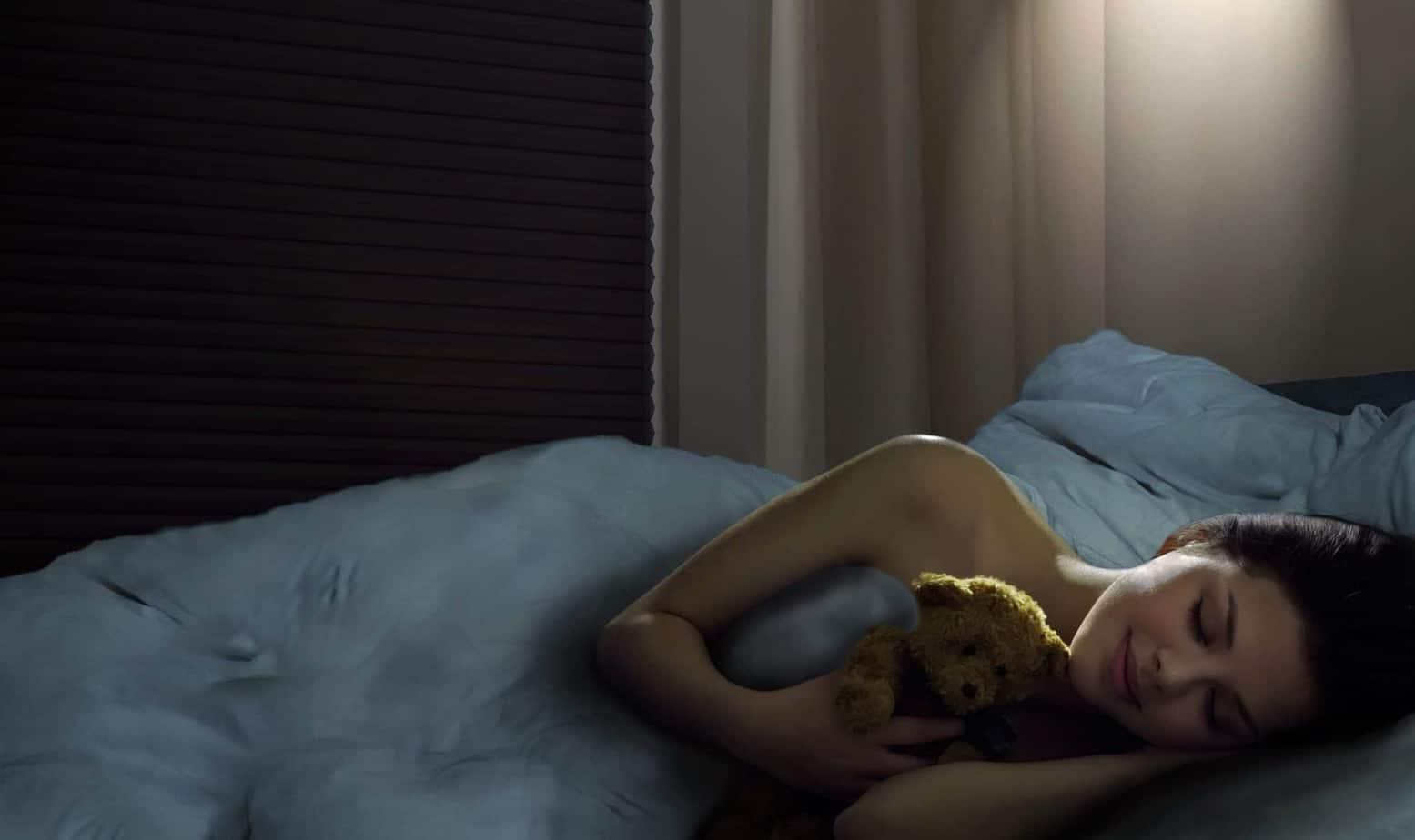 Mit einer optimalen Verdunkelung zum erholsamen Schlaf – warum gesunder Schlaf so wichtig ist und wie Verdunkelungsrollos helfen, besser zu schlafen
