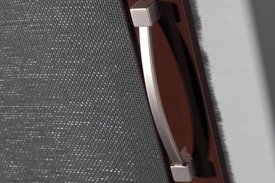 News: Insektenschutzprofile jetzt auch standardmäßig in grau-anthrazit oder in RAL Farbe | Plissees mit neuem Design Griff