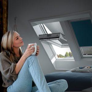Velux Hitzeschutz für Dachfenster – unsere drei Favoriten für angenehme Temperaturen unterm Dach