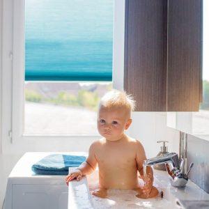 Badezimmer Sichtschutz: Plissee, Rollo oder Jalousie? Was sind die besten Produkte?