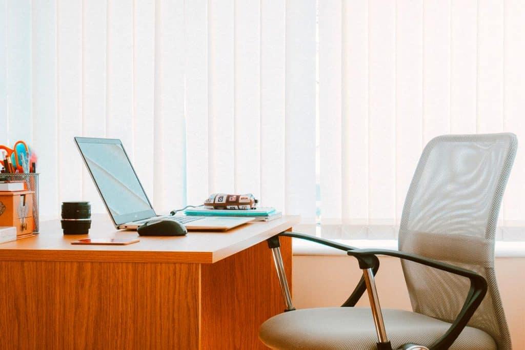Lamellenvorhänge für den Home-Office Bereich