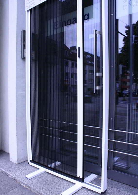 Fenster Mit Rolladen Und Fliegengitter ~ Insektenschutz Fliegengitter für Terasse, Balkon und Fenster